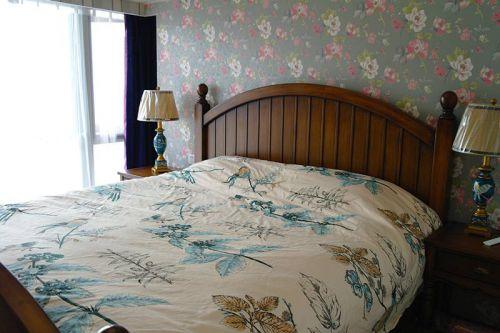 田园风格三居室卧室灯具装修效果图