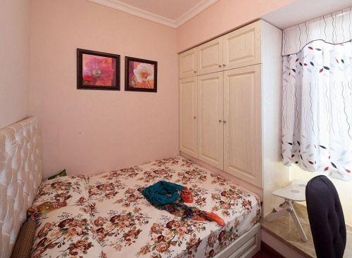 田园风格二居室卧室照片墙装修效果图