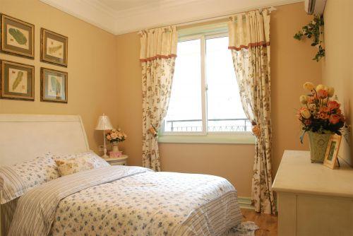 田园风格一居室卧室照片墙装修效果图欣赏