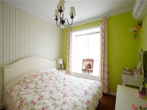 田园风格二居室卧室床装修图片