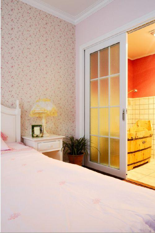 田园风格四居室卧室床装修图片