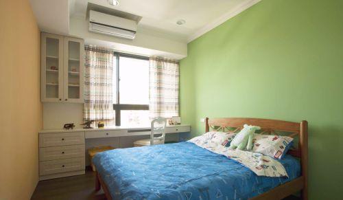田园风格三居室卧室床装修图片