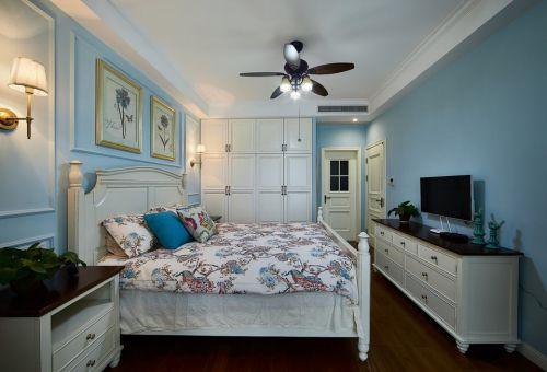 田园风格三居室卧室组合柜装修图片