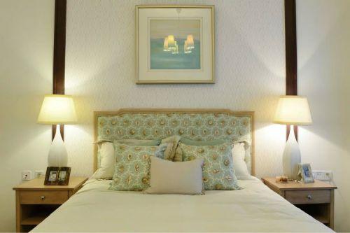 田园风格三居室卧室床头柜装修效果图大全