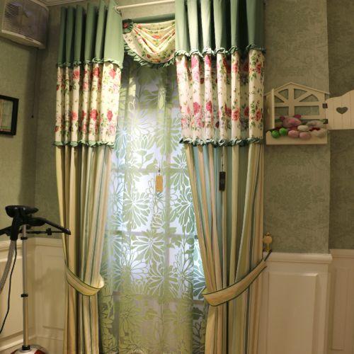 绿色碎花田园风格可爱窗帘装修效果图