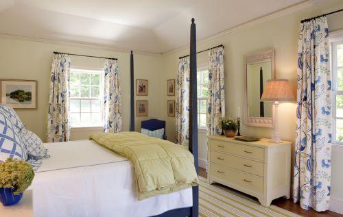 黄蓝地中海风格卧室高箱床装修图