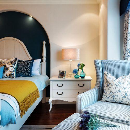 青春靓丽地中海风格卧室床头柜设计