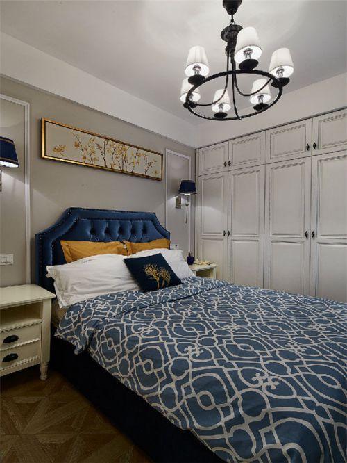 地中海风格三居室卧室窗帘装修效果图欣赏