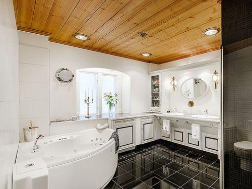 现代简约风格黑白配卫生间浴缸装修效果图