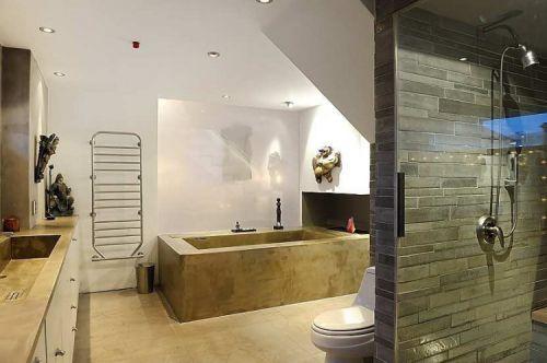 时尚三居室现代风格卫生间米色地板砖装修图