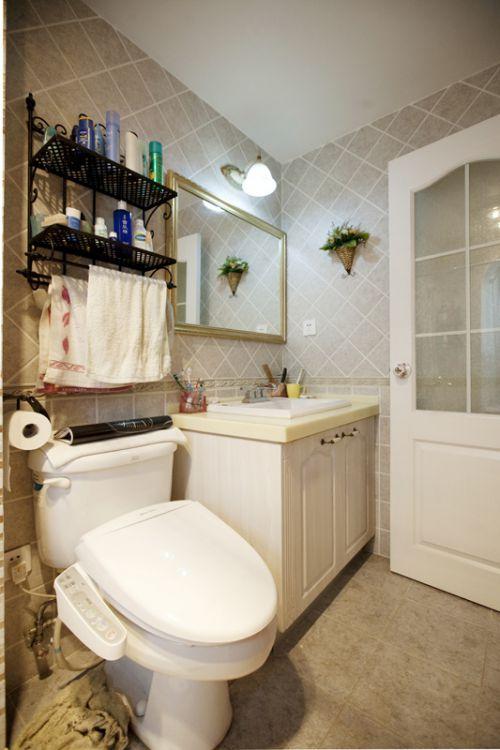 简洁温馨现代风格卫生间装修设计