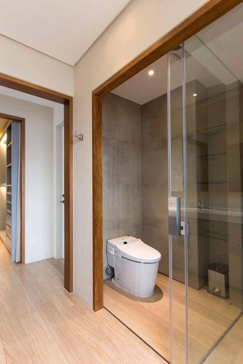 简洁纯粹现代风格卫生间装修设计