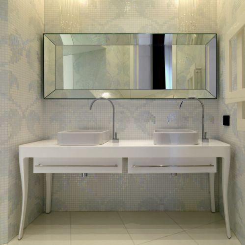 轻奢现代风格卫生间洗手台装修图片