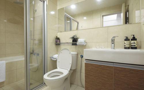 60平米老房翻新现代风格卫生间装修效果图