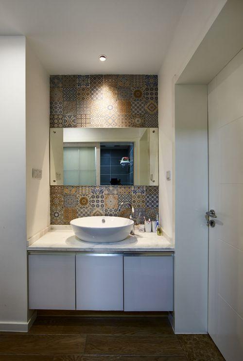 时尚现代风格卫生间洗手台装修效果图