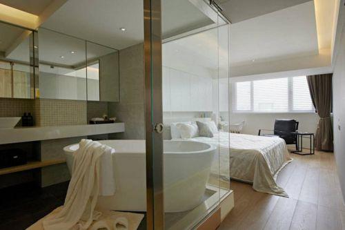 现代风格简洁明朗卫生间浴缸装修效果图