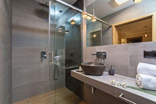 灰色系现代风格卫生间装修设计