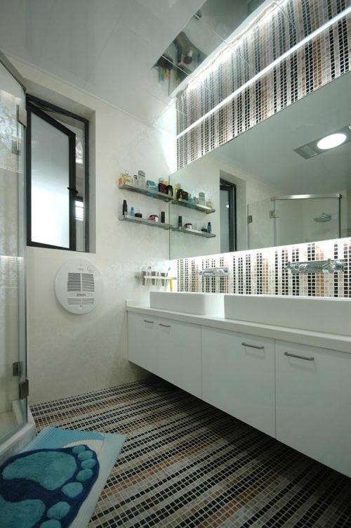 现代简约二居室卫生间吊顶装修效果图