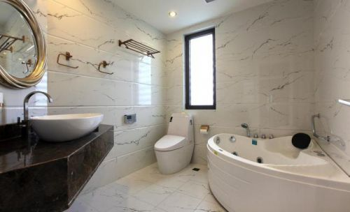 现代简约三居室灰白色系卫生间浴缸效果图