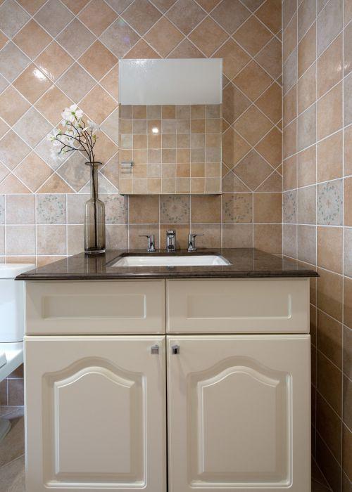 时尚清新现代风格卫生间洗手台装修图片