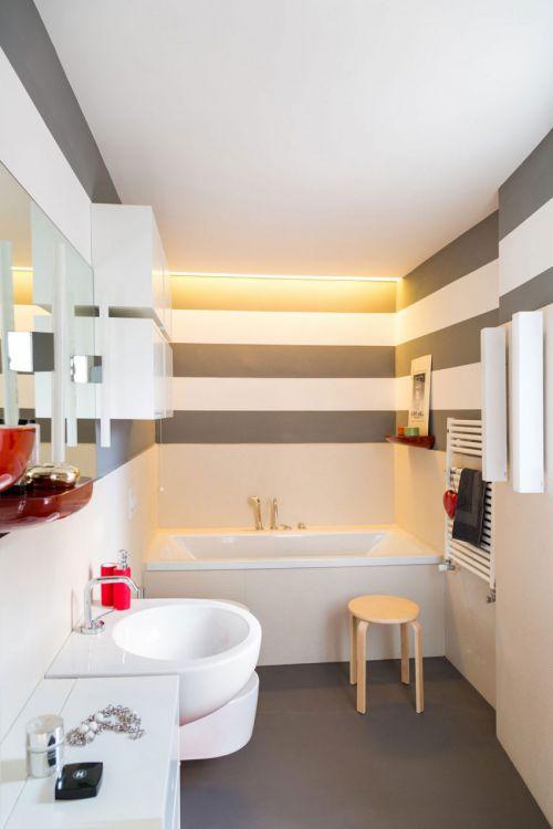 现代风格精致卫生间舒适浴缸装修图片