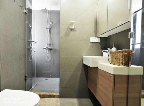 二居室现代风卫生间装修效果图