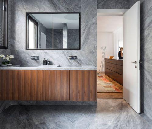 雅致现代风格卫生间木色浴室柜图片