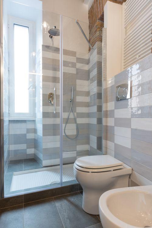 清爽纯净现代风格卫生间装修实景图