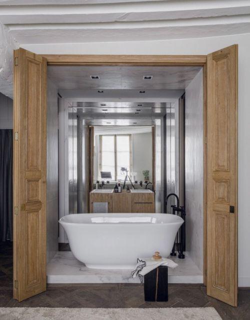 现代风格大气轻奢卫生间浴缸装修图片