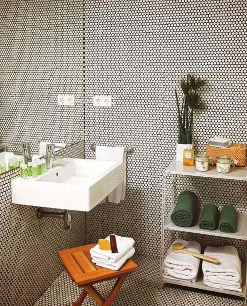 现代简约一居室卫生间瓷砖装修效果图