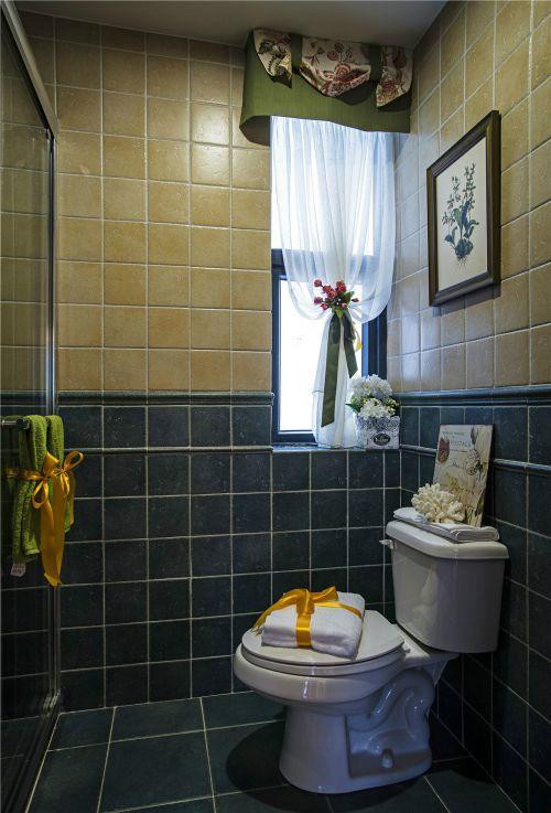 现代简约四居室卫生间吊顶装修效果图欣赏