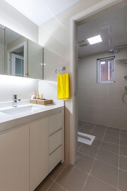 朴素现代风格简约卫生间装修图片