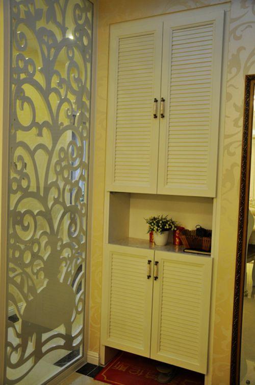 现代简约二居室玄关隔断装修效果图