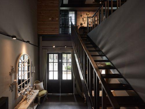 现代风格黑色走廊楼梯装修效果图