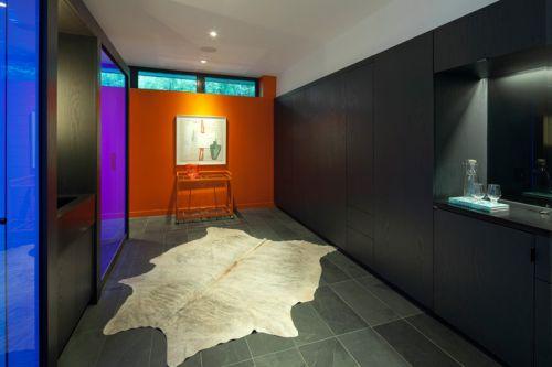 多伦多现代别墅黑色玄关装修效果图