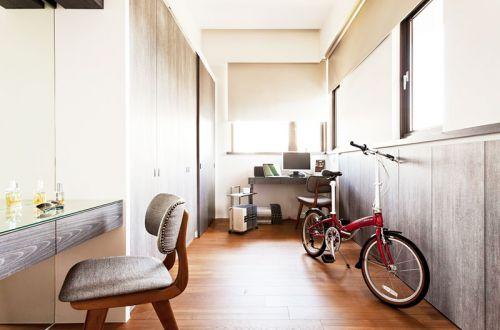 现代简约二居室玄关储物柜装修图片