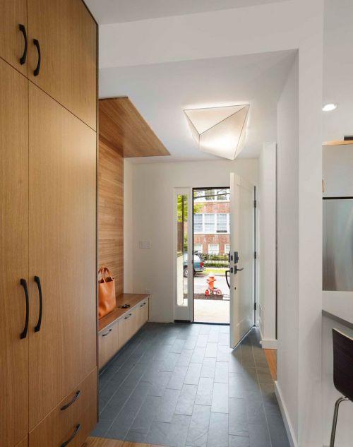 家装现代风格玄关装修效果图