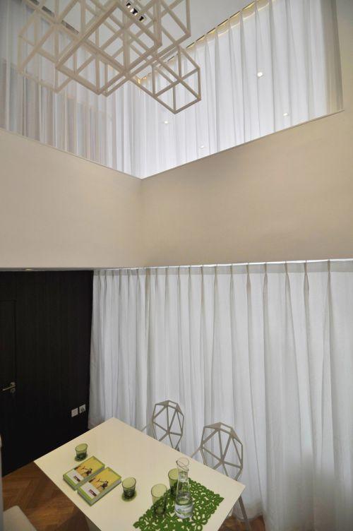 现代简约二居室玄关飘窗装修效果图欣赏
