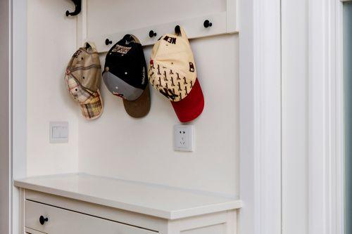 现代简约二居室玄关隔断装修效果图欣赏