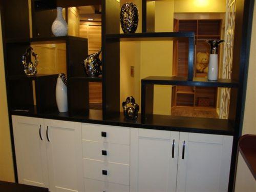 现代简约三居室餐厅黑色博古架装修效果图