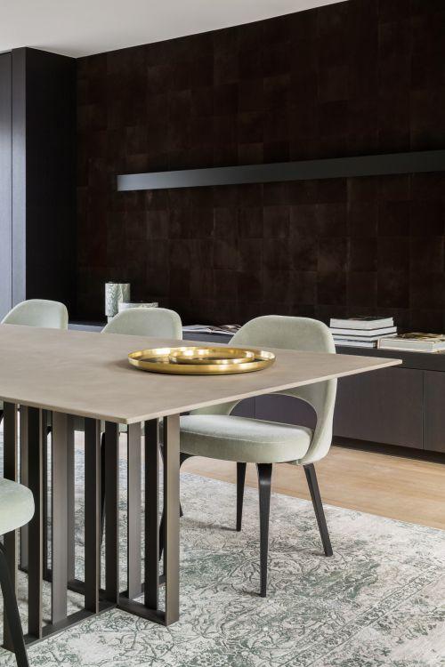 原木色现代风格餐厅餐桌装修实景图