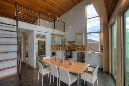 休闲时尚现代风格餐厅原木色餐桌图片