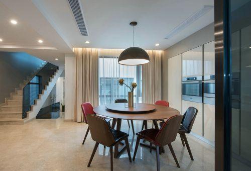 实木优雅现代风格餐厅餐桌装修设计