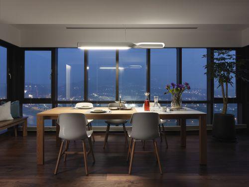 魅力现代风格餐厅餐桌装修效果图