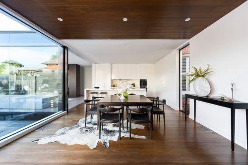 家装别墅现代风格餐厅装修图片