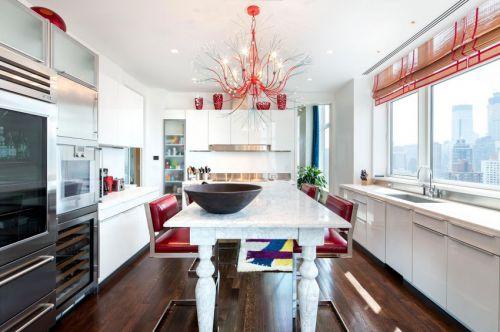 现代风格餐厅精致优雅红色灯具装修图片