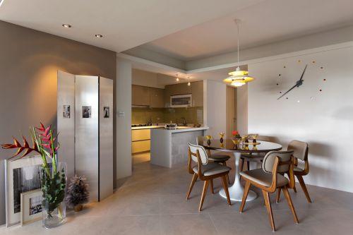 家装现代风格餐厅餐桌装修设计