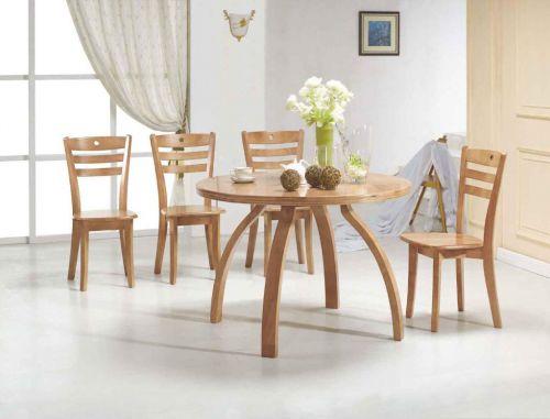 二居室现代简约原木色时尚餐厅餐桌效果图