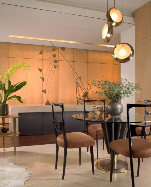 绿植点缀现代风格餐厅灯具装修设计