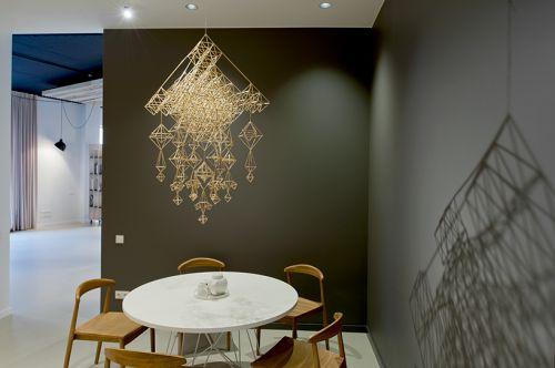 现代风黑色背景墙餐厅装修效果图